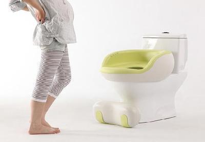 3) Urine Berwarna Kuning Pekat