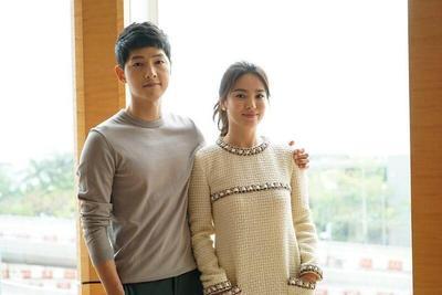 Jangan Baper! Kemesraan Song Hye Kyo dan Song Joong Ki Ini Bikin Iri