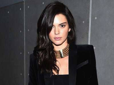Yuk, Tampil Menawan dengan Tiru Gaya Dress Ala Si Supermodel Kendall Jenner!