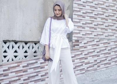 Yuk, Tampil Cantik ke Kantor dengan Padu Padan Celana Kulot Hijab Seperti Ini!