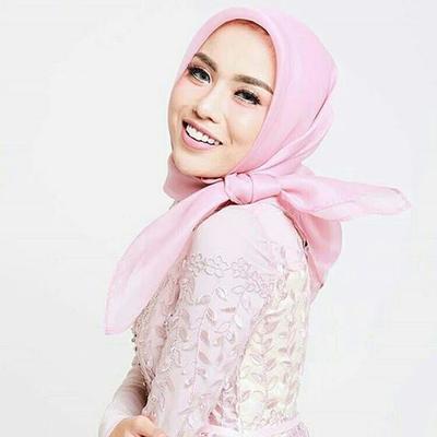 Tutorial dan Tips Pakai Hijab Segiempat Organza Untuk ke Pesta Agar Tampil Glamor dan Cantik