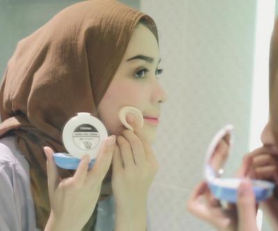 Make Up dan Hijab Beres Dalam 5 Menit? Ini Dia Caranya!