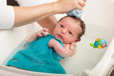 Apa Saja Sih Perlengkapan Mandi Bayi Baru Lahir? Ini Daftar Lengkapnya!