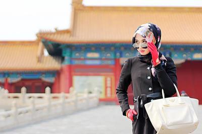 Ikuti Tips Stylish Padu Padan Warna Hijab Ala Dian Pelangi Agar Menarik Perhatian