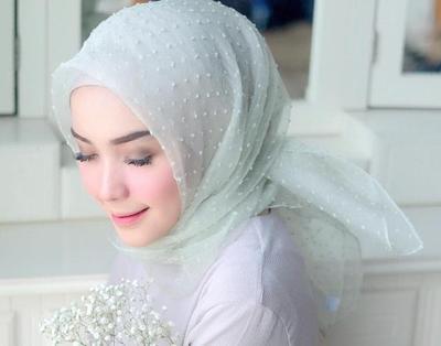Inspirasi Padu Padan Hijab Hijau yang Membuat Kamu Terlihat Lebih Fresh, Yuk Coba!