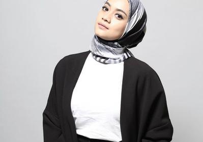 Inspirasi Hijab Segiempat Simple Cantik Ala Vlogger dan Selebgram Tanah Air