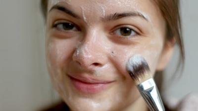 5 Masker Alami yang Ampuh Menghilangkan Bekas Jerawat