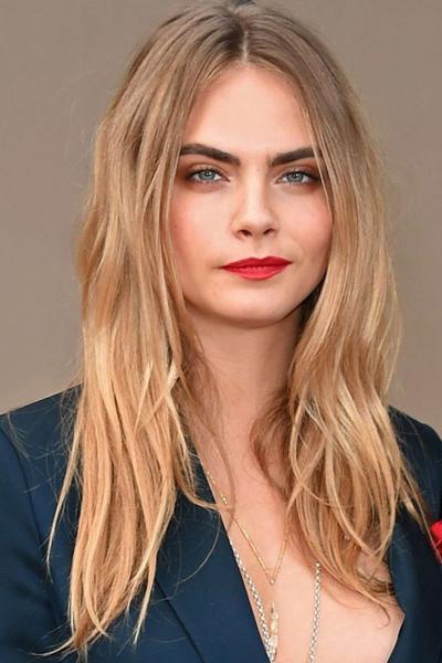 5 Model Rambut Panjang yang Tepat untuk Menyiasati Bentuk Wajah Bulat Kamu!