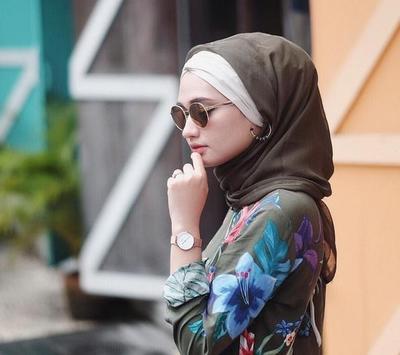 Motif Hijab atau Dress