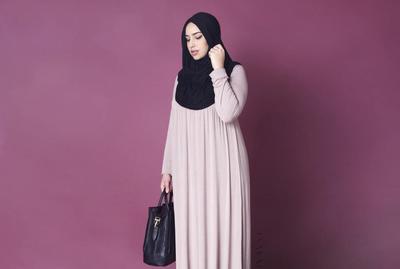 Model Rok Panjang Hijab untuk Si Tubuh Gemuk yang Bisa Bikin Kamu Terlihat Kurus!