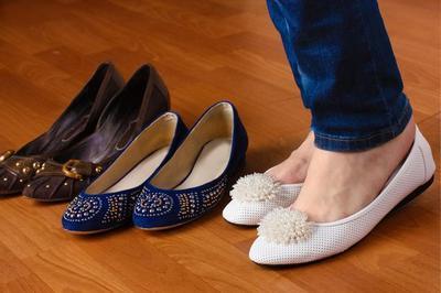 Gunakan Sepatu yang Nyaman Saat ke Kantor