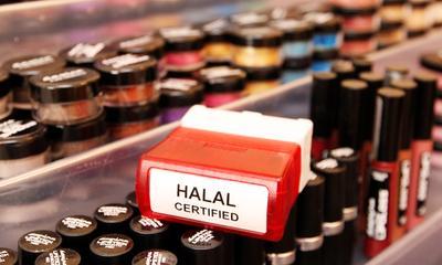 Rekomendasi Makeup Halal Lokal di Bawah Rp200.000