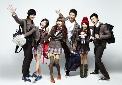 Ingin Tahu Seperti Apa Seragam Sekolah di Korea? Ternyata Super Stylish Lho!