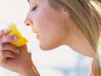 Kamu Mengalami Morning Sickness? Yuk, Tangani dengan 8 Cara Efektif Ini!