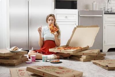 Hati-hati, 7 Makanan dan Minuman Ini Wajib Banget Kamu Hindari Selama Hamil!