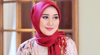 2. Hijab Satin