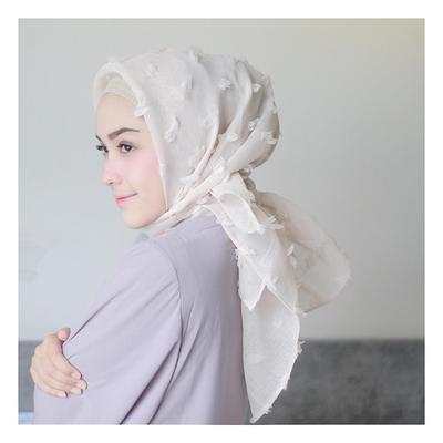 Ini Dia 5 Bahan Hijab Kekinian yang Bikin Kamu Makin Hits!