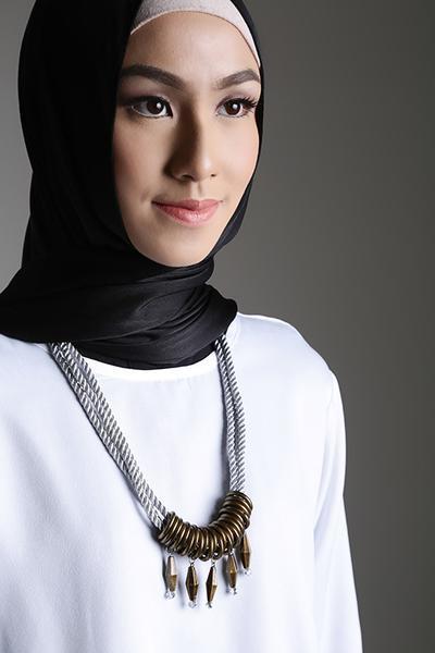 5. Kalung Ethnic