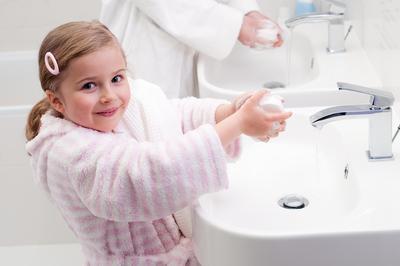 Tidak Mencuci Tangan Setelah Makan atau Sehabis BAB