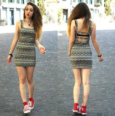 Dress Simpel & Converse