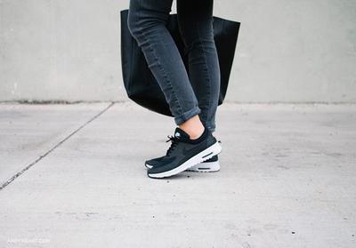 Jangan Asal! Ketahui Cara yang Benar untuk Membersihkan Sepatu Nike!