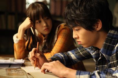 Ternyata Para Selebritis Ini Juga Cocok Banget Jadi Pasangan Drama Song Joong Ki, Lho!