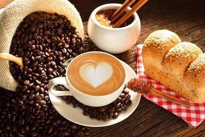 Mengkonsumsi Kafein Terlalu Banyak
