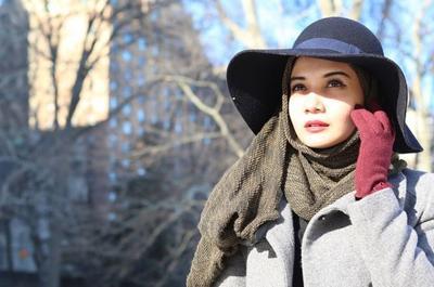 2 Menit! Yuk, Ikutin Tutorial Hijab Tanpa Peniti ala Zaskia Sungkar