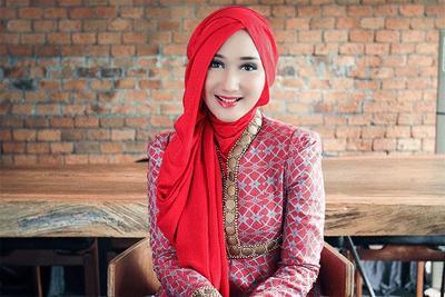 Yuk, Simak Tutorial Hijab Ala Dian Pelangi yang Super Mudah untuk Diikuti!