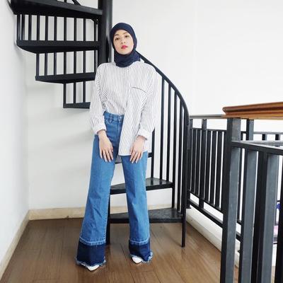 Style Para Seleb dalam Padu Padan Hijab Warna Hitam yang Super Kece!