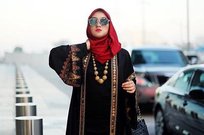 Tampil Menawan dan Stylish dengan Style Batik Hijab ala Dian Pelangi