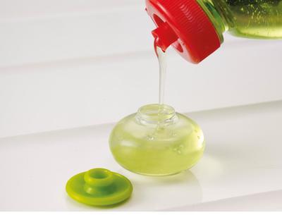 Sabun Cuci Piring dan Air Hangat
