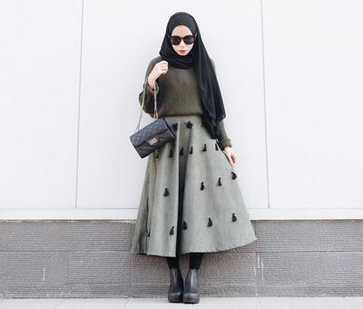Inspirasi Rok Hijab Kasual yang Minimalis Namun Stylish