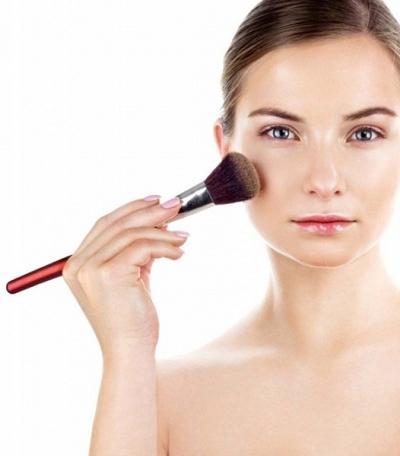 Ingin Mendapatkan Make Up Natural dalam Waktu Singkat? Ikuti 5 Tips Mudah Ini!