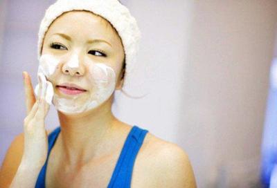 Tips Mencuci Muka yang Benar dengan Sabun Bayi