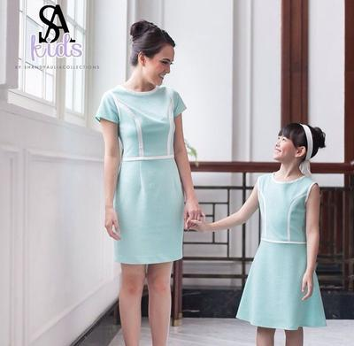 6. Shandy Aulia Collection (Shandy Aulia)