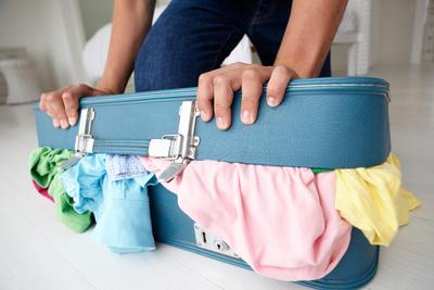 5 Tips Packing Ini Akan Membuat Koper Kamu Muat Banyak dan Bisa Ditutup dengan Mudah!