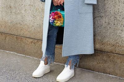 Ladies, Intip Padu Padan Fringe Jeans yang Lagi Populer di 2017!