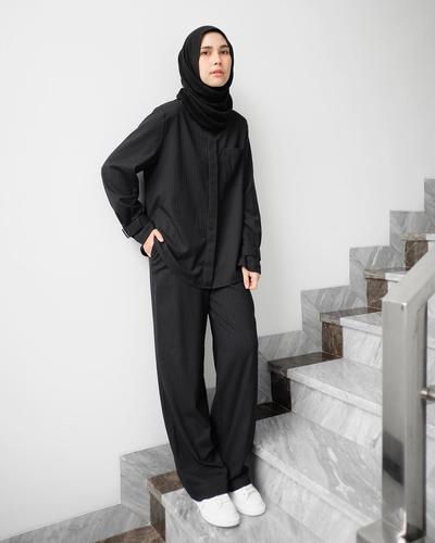 Tampil Hits dan Modis dengan Padu Padan Celana Kulot Ala Desainer Indonesia Ini