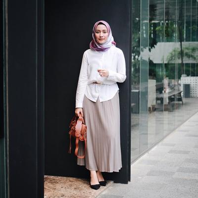 Enggak Perlu Ribet, Ini Gaya Hijab ke Kampus yang Dijamin Bikin Kamu Catchy Banget!