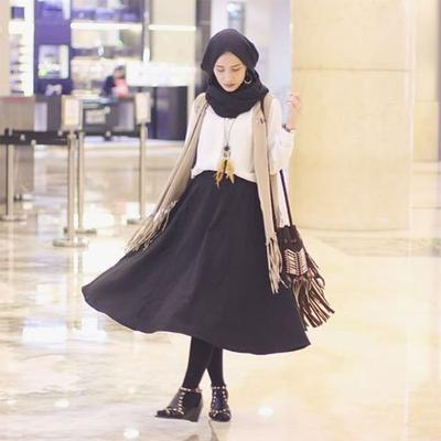 Legging, Midi Skirt dan Draped Vest