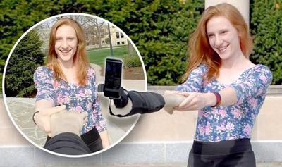 6 Gadget  Paling Unik untuk Kamu yang Hobi Selfie