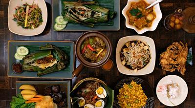 Ingin Menikmati Restoran Jawa dengan Suasana yang Indonesia Banget? di Sini Tempatnya!