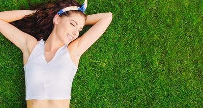 Inilah 4 Cara Alami yang Efektif Mencerahkan Kulit Ketiak dan Selangkanganmu!