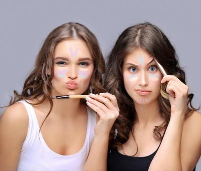 5 Manfaat Luar Biasa dari Concealer yang Akan Bikin Kamu Semangat Pakai Tiap Hari