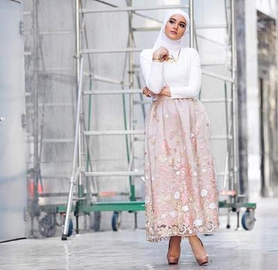 Ladies, Ini Lho Atasan Hijab yang Cocok dengan Rok Panjang!