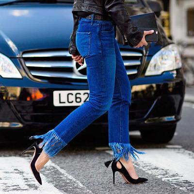 4 Tren Model Fringe Jeans Paling Hits yang Akan Mewarnai 2017 Kamu!