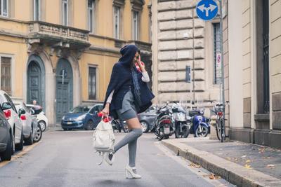 Fashion Hacks! 4 Cara Tampil Lebih Keren dan Percaya Diri dengan Kaos Kaki