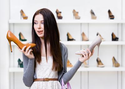 Awas! Ladies Jangan Sampai Tertipu, Begini Cara Membedakan Sepatu Asli dan Palsu