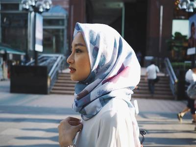 5 Merk Hijab Paling Hits Ini, Bisa Jadi Pilihan Belanja Kamu di Akhir Bulan